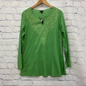 NEW Papa Ladies Green Long Sleeve Top